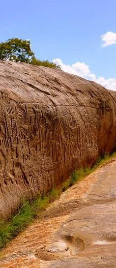 NOJO POST STAR GATES: BRAZIL- Ingá Stone - Paraíba. WHO DID THIS? WHAT IS THE MESSAGE FOR THE FUTURE GENERATIONS ON PLANET EARTH?? WHAT DO YOU SEE? WHAT DO YOU THINK? WHAT DO WE KNOW?