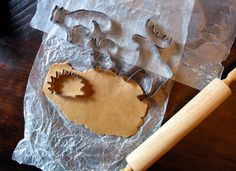 Animal cookie cutters... A hedgehog one. I WANT IT.