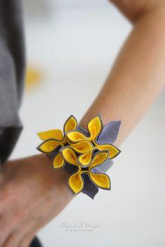 FlowerFelt Design Textile Jewelry, Bead Jewellery, Fabric Jewelry, Fabric Bracelets, Cute Bracelets, Handmade Felt, Handmade Flowers, Natural Accessories, Hair Accessories