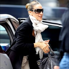 SJP wearing the Love Quotes Linen Eyelash scarf