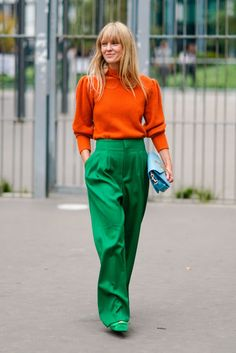The Best Street Style At Paris Fashion Week Spring Summer 2018 ✨ ᘡℓvᘠ❤ﻸ Womens Fashion Online, Latest Fashion For Women, Latest Fashion Trends, Fashion Women, Looks Street Style, Street Style Trends, Cool Street Fashion, Look Fashion, Fashion Design