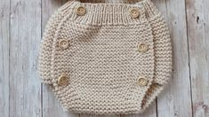 Knitting For Kids, Knitting Projects, Baby Knitting, Crochet Projects, Knitting Patterns, Knitted Baby Clothes, Knitted Hats, Crochet Baby Booties, Knit Crochet