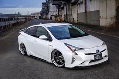 Tuned 2016 Prius with Quad Exhaust and Leather Wrap Looks Too Weird Chevrolet Volt, Chevrolet Tahoe, Supercars, Toyota Hybrid, Most Popular Cars, Nissan Leaf, Benz C, Toyota Prius, Custom Cars