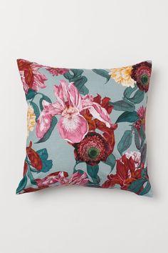 Funda de cojín flameada - Turquesa claro/Floral - HOME | H&M ES Grey Cushions, Scatter Cushions, Throw Pillows, Light Turquoise, Cushion Covers, Pillow Covers, H & M Home, Textiles, Weaving
