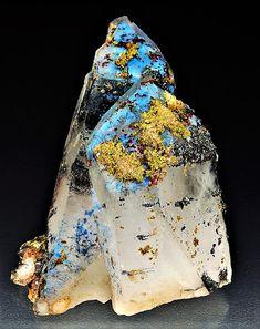 Quartz, Ajoite and Hematite Minerals And Gemstones, Rocks And Minerals, Natural Gemstones, My Gems, Rocks And Gems, Stone World, Stones And Crystals, Gem Stones, Beautiful Rocks