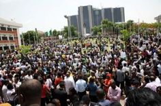 """Federal Government online portal to register unemployed Nigerianskick off from Wednesday April 5 2017. The Deputy Director, Information and Public Relationsofthe National Directorate of Employment (NDE), Edmund Onwuliri, announced this in a statement given to News Agency of Nigeria (NAN), in Abuja on Monday. Onwuliri said the registration was aimed at Federal Government collectingup to date of the unemployedNigerians. He said the registration was in compliance with NDE's mandate """"to…"""