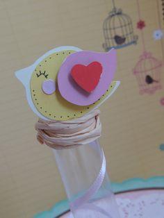 Tubete para lembrancinhas.    Posso fazer o passarinho em outras cores.    Feitos com material de scrapbook.    Tubete sem doce, somente a embalagem. R$ 4,92