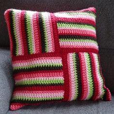 MyPillow Pinwheel - Free pattern at Haakbaak Crochet Cushion Cover, Crochet Cushions, Granny Square Crochet Pattern, Crochet Squares, Free Crochet, Knit Crochet, Knitting Patterns, Crochet Patterns, Recycled Crafts