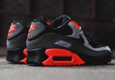 Nike Air Max 90: Black/Ash Grey/Total Crimson