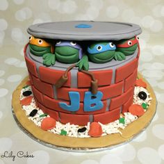 TMNT  Teenage Mutant Ninja Turtles birthday cake with a pizza cake board!
