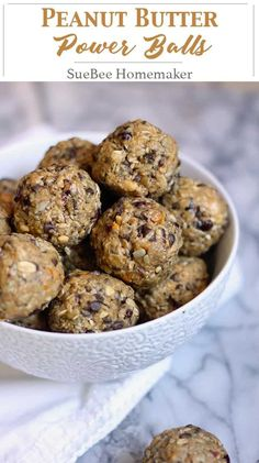 Butter Power Balls Peanut Butter Power Balls are the perfect grab-and-go energy snack. Store them in the freezer, and grab one for a protein boost before or after a work-out, or just breakfast on your commute. Protein Snacks, Protein Bites, Energy Snacks, Healthy Snacks, Healthy Recipes, Protein Power Balls Recipe, Healthy Protein Balls, Food Energy, Quick Snacks