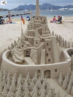 40 incríveis esculturas feitas na praia que você não vai acreditar que são feitas de areia