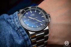 Hands-on with the Oris Aquis Date with a gradient blue dial – Specs and price | https://monochrome-watches.com/oris-aquis-date-gradient-blue-dial-specs-price/