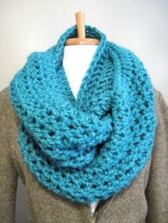 DIY: Bulky Cowl Scarf | In the Hammock Vintage Style