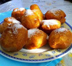 Η Συνταγή είναι της κ. Katerina Kostanasiou-Tatsi-OΙ ΧΡΥΣΟΧΕΡΕΣ-ΗΔΕΣ Υλικά 250 γραμμάρια αλεύρι ένα φακελάκι μπέικιν πάουντερ 2 κουταλάκια του γλυκού ζάχαρη 1 κουταλάκι του γλυκού ελαιόλαδο Μια πρέζα αλάτι Ζάχαρη για πασπάλισμα Pretzel Bites, Pancakes, Bakery, Brunch, Food And Drink, Sweets, Bread, Cooking, Breakfast