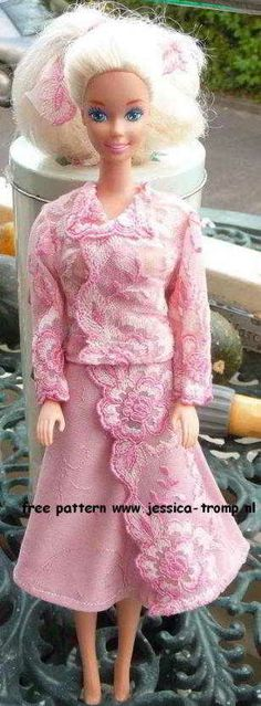 gratis naaipatronen voor een Barbie pop