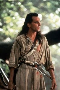 Google Image Result for http://bethtrissel.files.wordpress.com/2012/03/hawkeye-the-last-of-the-mohicans-9333271-400-600.jpg%3Fw%3D200%26h%3D300