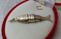 Vintage Anhänger - Antiker Gliederfisch-Anhänger Fischanhänger SK540 - ein Designerstück von Atelier-Regina bei DaWanda
