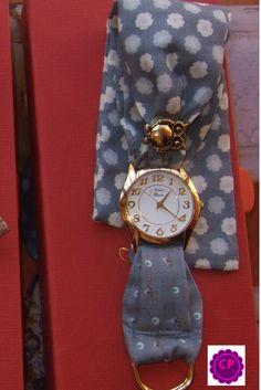 Relojes con pañuelo!!! Los puedes encontrar en www.capricciplata.com www.facebook.com/capricci.plata1 Bracelet Watch, Facebook, Accessories, I Found You, Clocks, Watch
