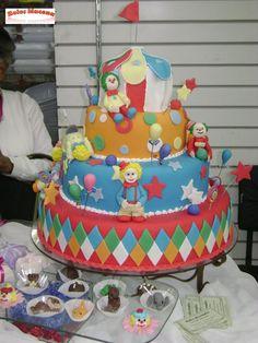 Bolos decorados de palhaços - Fotos e dicas - http://www.boloaniversario.com/bolos-decorados-de-palhacos-fotos-e-dicas/