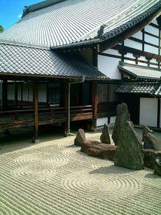 東福寺:庫裡と枯山水 Japan