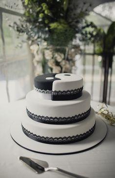 Yin & Yang wedding cake. Image: Cavanagh Photography http://cavanaghphotography.com.au