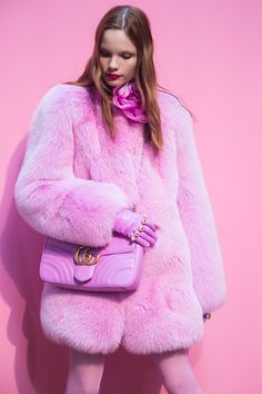 Gucci Fall 2016 Pink Fur Coat - Inspiration by Color Fashion Mode, Fur Fashion, Pink Fashion, Winter Fashion, Womens Fashion, Rosa Style, Mode Rose, Everything Pink, Editorial Fashion