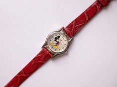 Mickey Mouse Watch, Vintage Mickey Mouse, Vintage Disney, Childhood Characters, Walter Elias Disney, Black Leather Watch, Walt Disney Company, Seiko Watches, Vintage Watches