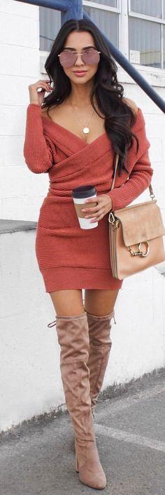 9be4ec8d285df  winter  outfits pink off-shoulder long-sleeve dress Anna Wintour