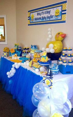 55 Ideas Baby Shower Ideas For Boys Decorations Ducks For 2019 Baby Shower Decorations For Boys, Boy Baby Shower Themes, Baby Shower Centerpieces, Baby Shower Parties, Ducky Baby Showers, Baby Shower Duck, Rubber Ducky Baby Shower, Rubber Ducky Party, Kairo