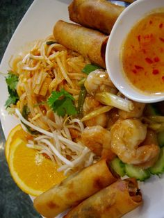 shrimp pad thai and spring rolls with sweet chili sauce - credits to source Thai Recipes, Indian Food Recipes, Asian Recipes, Great Recipes, Cooking Recipes, Asian Cooking, My Favorite Food, Favorite Recipes, Love Food