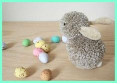 DIY: pom-pom bunnies from Martha Stewart Pom Pom Crafts, Yarn Crafts, Diy Crafts, Diy Décoration, Hoppy Easter, Easter Bunny, Spring Crafts, Holiday Crafts, Diy Projects To Try