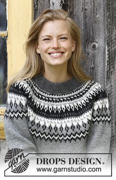 Night Shades / DROPS - Free knitting patterns by DROPS Design - Night Shades / DROPS – Knitted pullover with round yoke in DROPS Karisma. The piece is worked from the bottom up with a Nordic pattern. Sizes S – XXXL. Fair Isle Knitting Patterns, Fair Isle Pattern, Sweater Knitting Patterns, Free Knitting, Finger Knitting, Scarf Patterns, Knitting Machine, Knitting Needles, Drops Design