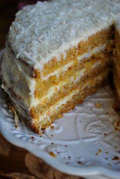 Hawajski tort marchewkowy (z kokosową masą)