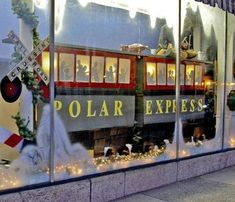 Polar Express theme fills downtown windows with trains Christmas Door Decorating Contest, Office Christmas Decorations, Diy Christmas Lights, Polar Express Theme, Polar Express Train, Polar Express Crafts, Classroom Window Display, Christmas Window Display, Christmas Classroom Door
