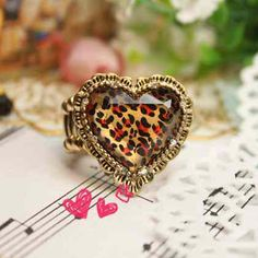 Vintage Classic Leopard Metal Hearts Ring for Women #Rings #jewelry #accessories #Gold #wholesale  http://www.martofchina.com/vintage-classic-leopard-metal-hearts-ring-for-women-g80317.html?u=80177