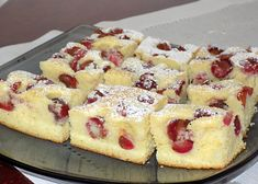 Letní bublanina - TopRecepty.cz Christmas Cooking, Hawaiian Pizza, Kitchen Hacks, Sheet Pan, French Toast, Cheesecake, Food And Drink, Cookies, Breakfast