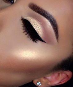 HOT #eyeshadow #lashes