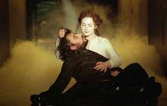 Richard III 2001 (Manuel Harlan © RSC)  Aidan McArdle as Richard III, Aislin McGuckin as Lady Anne.