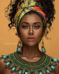 4 Factors to Consider when Shopping for African Fashion – Designer Fashion Tips Black Girl Art, Black Women Art, Beautiful Black Women, Black Girl Magic, Black Art, African Beauty, African Women, African Fashion, African Style