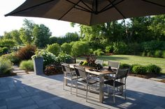 Paver Patio Home Design Ideas, Pictures, Remodel and Decor Patio Design, Exterior Design, Garden Design, Backyard Patio, Backyard Landscaping, Bluestone Paving, Outside Living, Cool Landscapes, Landscape Design