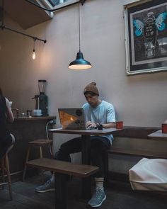 For digital nomads, sometimes its difficult to look past a hipster cafe for some… Workspace Inspiration, Work Inspiration, Design Studio Office, Café Bar, Photography Poses For Men, Coffee And Books, Sem Internet, White Aesthetic, Apartment Design