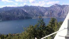 Halverwege de trip met uitzicht op Riva.