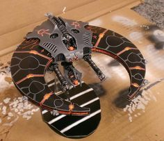 Evil Tron/Thokt Dynasty inspired Necrons - Page 3 Warhammer 40k Necrons, Warhammer 40k Figures, Warhammer 40k Miniatures, Sci Fi Spaceships, Sci Fi Models, Spaceship Concept, Crusaders, Mini Paintings, Paint Schemes