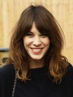 Alexa Chung Signs Deal To Work With Cosmetics Brand Eyeko - Let's Take A Look Back At Her Best Beauty Moments | Grazia Beauty