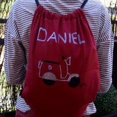 #mochila #saco #personalizado #pintadoamano en www.valentinasmoon.com