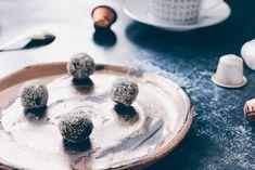 Dark Chocolate Rum Balls - Oh La Latkes Power Balls, Energy Balls, Keto Snacks, Healthy Snacks, Rum Balls, Pick Me Up, Afternoon Snacks, Panna Cotta, Low Carb