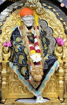 Sai Baba Wallpapers, Sathya Sai Baba, Bal Krishna, Sai Baba Photos, Baba Image, Lakshmi Images, Om Sai Ram, Hindu Deities, Good Morning Wishes