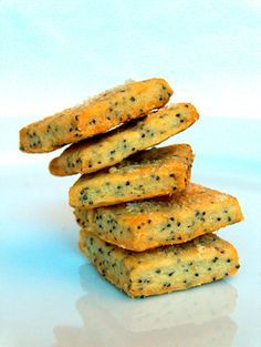 biscotti con parmigiano e papavero
