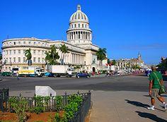 Cuba - Havana: Capitol in front of Parque de la India.